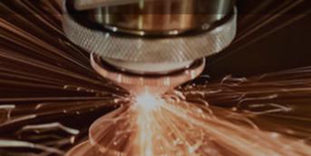 光纤激光切割机自动对焦与手动对焦哪个更好?